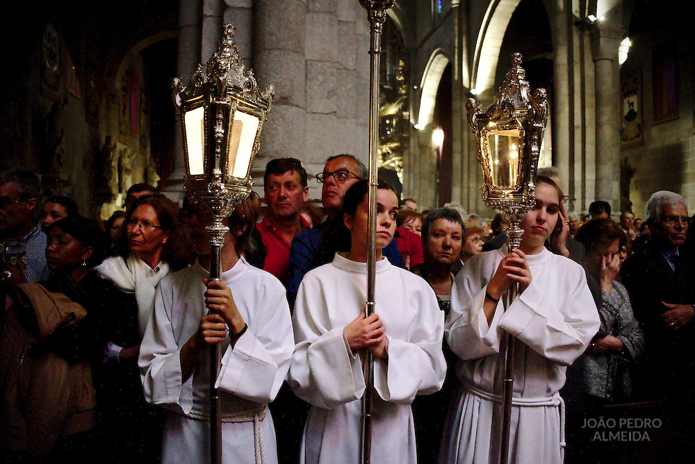 Teoforica procession, an indoor procession performed during the Death of the Lord mass on Good Friday