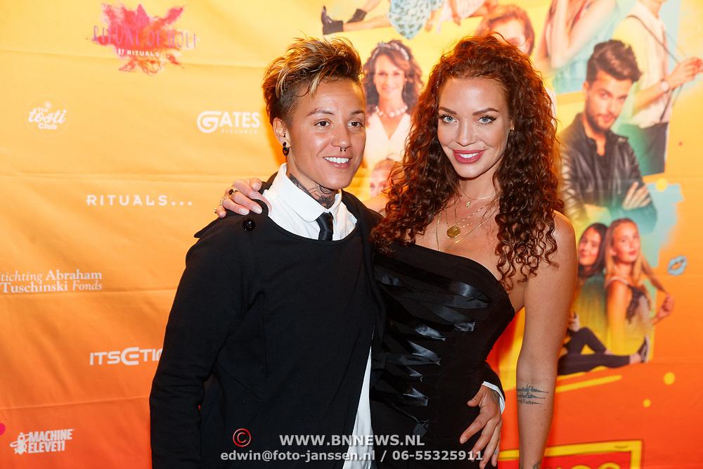 NLD/Amsterdam/20181122 - Premiere First Kiss, Dorien Rose Duinker en ........