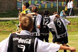 Lance da partida entre as equipes Atletico RS X Sagrada Familia válida pela copa Coca-Cola, no Complexo Esportivo Zona Norte, neste sabado 24/09/2011, em Caxias do Sul. FOTO: Marcos Nagelstein/Preview.comjeto CAE e Carlos Barbosa válida pela copa Coca-Cola, no Complexo Esportivo Zona Norte, neste sabado 24/09/2011, em Caxias do Sul. FOTO: Marcos Nagelstein/Preview.com
