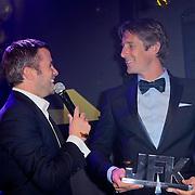 NLD/Amsterdam/20111029- JFK Greatest Man Award 2011, Winston Gerschtanowitz en winnaar Edwin van der Sar