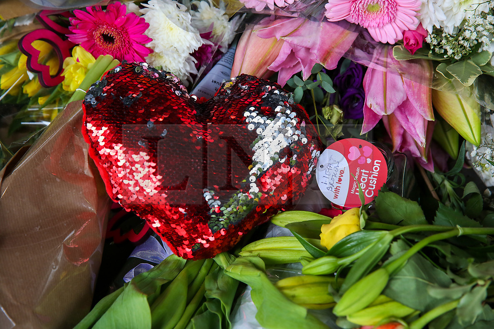 © Licensed to London News Pictures. 16/03/2019. London, UK. Flowers and tributes messages lie at High Commission of New Zealand in London. A gunman killed 49 worshippers at the Al Noor Masjid and Linwood Masjid mosques in Christchurch, New Zealand on 15 March. The 28-year-old Australian suspect, Brenton Tarrant, appeared in court on 16 March and was charged with murder. Photo credit: Dinendra Haria/LNP