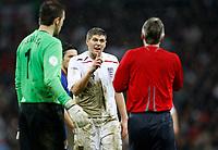 Photo: Richard Lane/Sportsbeat Images.<br />England v Croatia. UEFA European Championships Qualifying. 21/11/2007. <br />England's Steven Gerrard questions the referee.