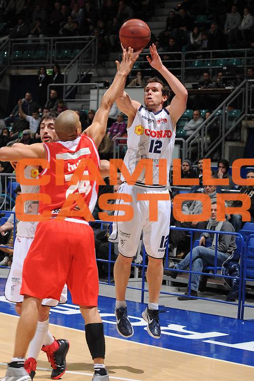 DESCRIZIONE : Bologna Lega Basket A2 2011-12 Conad Bologna Marcopoloshop.it Forli<br /> GIOCATORE : Brett Blizzard<br /> CATEGORIA : tiro<br /> SQUADRA : Conad Bologna<br /> EVENTO : Campionato Lega A2 2011-2012<br /> GARA : Conad Bologna Marcopoloshop.it Forli<br /> DATA : 12/02/2012<br /> SPORT : Pallacanestro<br /> AUTORE : Agenzia Ciamillo-Castoria/M.Marchi<br /> Galleria : Lega Basket A2 2011-2012 <br /> Fotonotizia : Bologna Lega Basket A2 2011-12 Conad Bologna Marcopoloshop.it Forli<br /> Predefinita :
