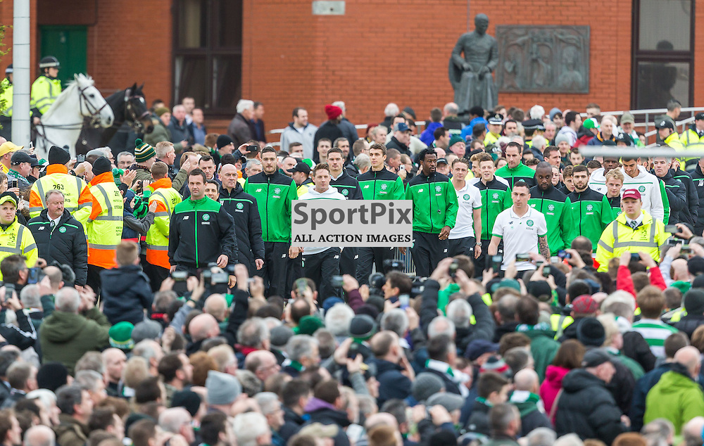 The Celtic team go out to the unveiling of the Billy McNeill statue before the match between Celtic and Motherwell (c) ROSS EAGLESHAM | Sportpix.co.uk