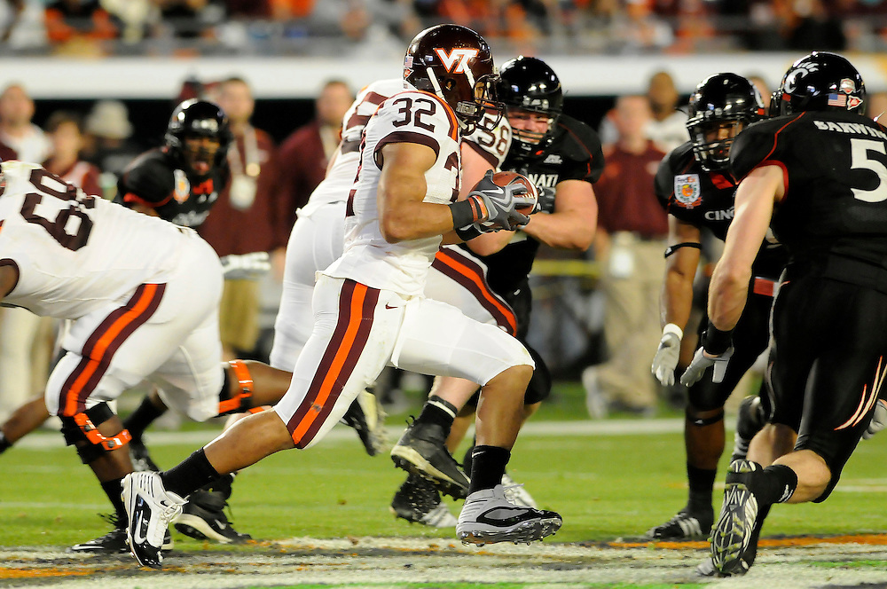January 1, 2009: Darren Evans of the Virginia Tech Hokies in action during the NCAA football game between the Virginia Tech Hokies and the Cincinnati Bearcats in the Orange Bowl Classic. The Hokies defeated the Bearcats 20-7.