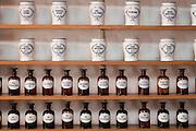 Apothekergefaesse, Apothekenmuseum, Bad Muenstereifel, Eifel, Nordrhein-Westfalen, Deutschland.|.pharmacy museum, Bad Muenstereifel, Eifel, North Rhine-Westphalia, Germany