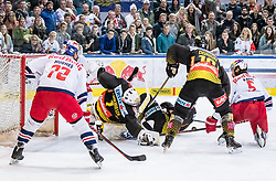 09.04.2019, Eisarena, Salzburg, AUT, EBEL, EC Red Bull Salzburg vs Vienna Capitals, Halbfinale, 6. Spiel, im Bild v.l.: John Hughes (EC Red Bull Salzburg), Jean Philippe Lamoureux (Vienna Capitals), Marc-Andre Dorion (Vienna Capitals), Thomas Raffl (EC Red Bull Salzburg) // during the Erste Bank Icehockey 6th semifinal match between EC Red Bull Salzburg vs Vienna Capitals at the Eisarena in Salzburg, Austria on 2019/04/09. EXPA Pictures © 2019, PhotoCredit: EXPA/ JFK