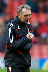 LIVERPOOL, ENGLAND - Saturday, February 23, 2008: Liverpool's first team coach Alex Miller during the Premiership match at Anfield. (Photo by David Rawcliffe/Propaganda)
