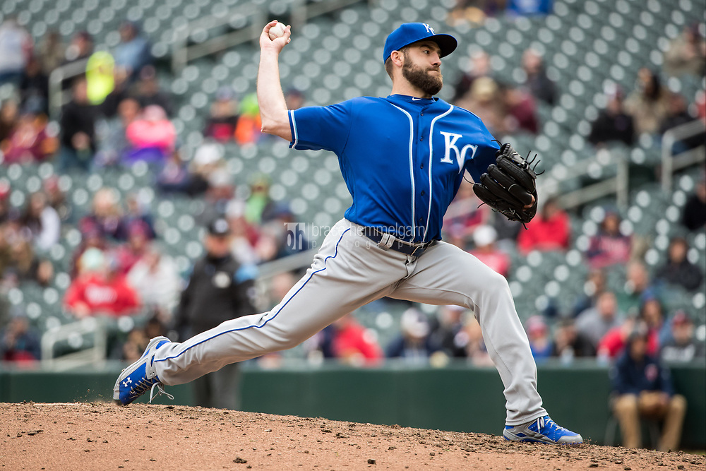 MINNEAPOLIS, MN- APRIL 5: Nathan Karns #55 of the Kansas City Royals pitches against the Minnesota Twins on April 5, 2017 at Target Field in Minneapolis, Minnesota. The Twins defeated the Royals 9-1. (Photo by Brace Hemmelgarn) *** Local Caption *** Nathan Karns