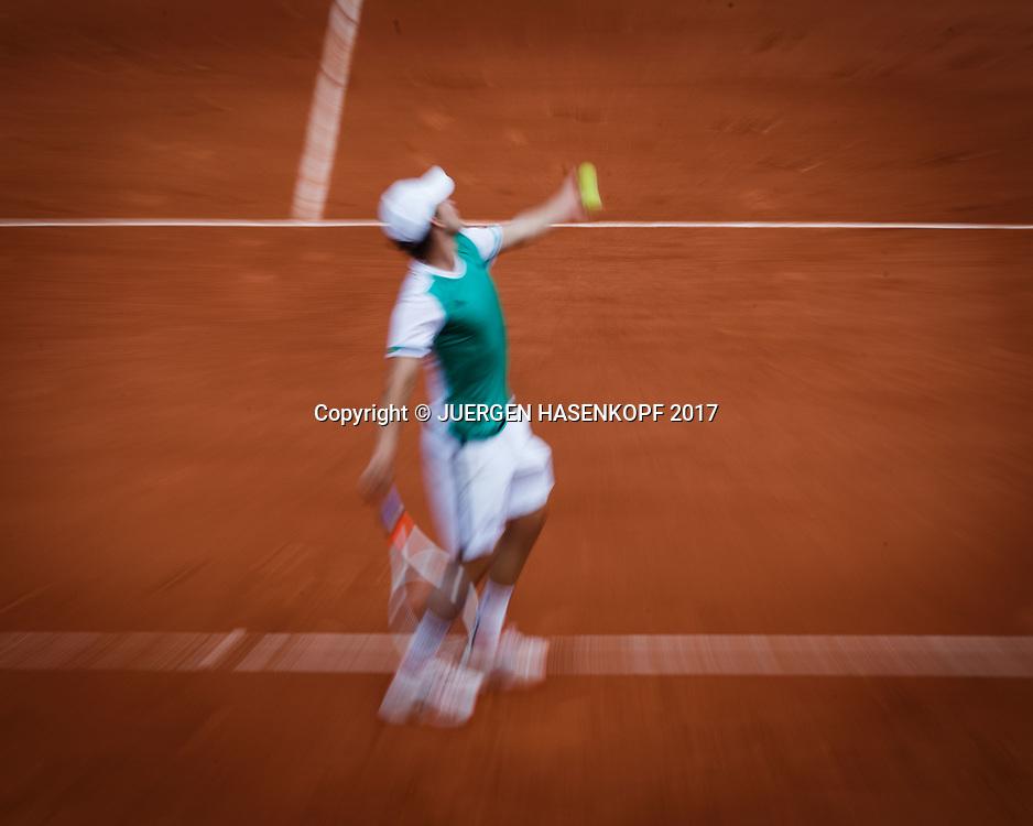 DOMINIC THIEM (AUT),Aufschlag,Zoomeffekt,von oben.<br /> <br /> Tennis - French Open 2017 - Grand Slam ATP / WTA -  Roland Garros - Paris -  - France  - 31 May 2017.