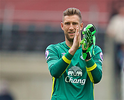 LONDON, ENGLAND - Saturday, April 22, 2017: Everton's goalkeeper Maarten Stekelenburg applauds the travelling supporters after the goal-less draw with West Ham United during the FA Premier League match at the London Stadium. (Pic by David Rawcliffe/Propaganda)