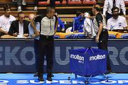 DESCRIZIONE : Supercoppa 2015 Semifinale Banco di Sardegna Sassari - Grissin Bon Reggio Emilia<br /> GIOCATORE : Roberto Begnis arbitro<br /> CATEGORIA : arbitro pregame before<br /> SQUADRA : arbitro<br /> EVENTO : Supercoppa 2015<br /> GARA : Banco di Sardegna Sassari - Grissin Bon Reggio Emilia<br /> DATA : 26/09/2015<br /> SPORT : Pallacanestro <br /> AUTORE : Agenzia Ciamillo-Castoria/GiulioCiamillo