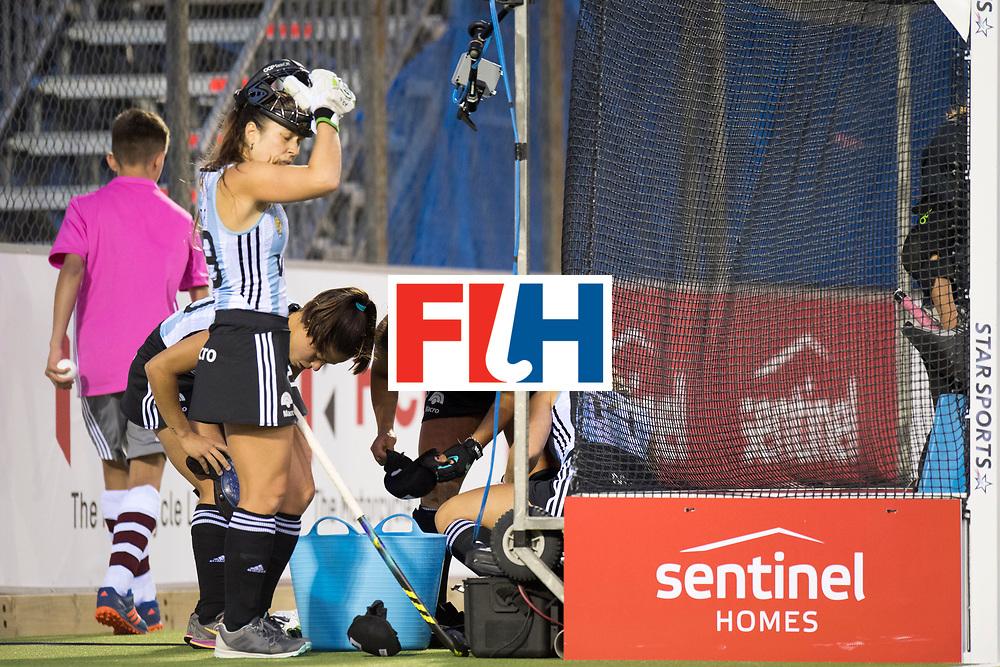 AUCKLAND - Sentinel Hockey World League final women<br /> Match id 10298<br /> 08 Argentina v England 1-0<br /> Foto: penalty corner defense Argentina. <br /> WORLDSPORTPICS COPYRIGHT FRANK UIJLENBROEK