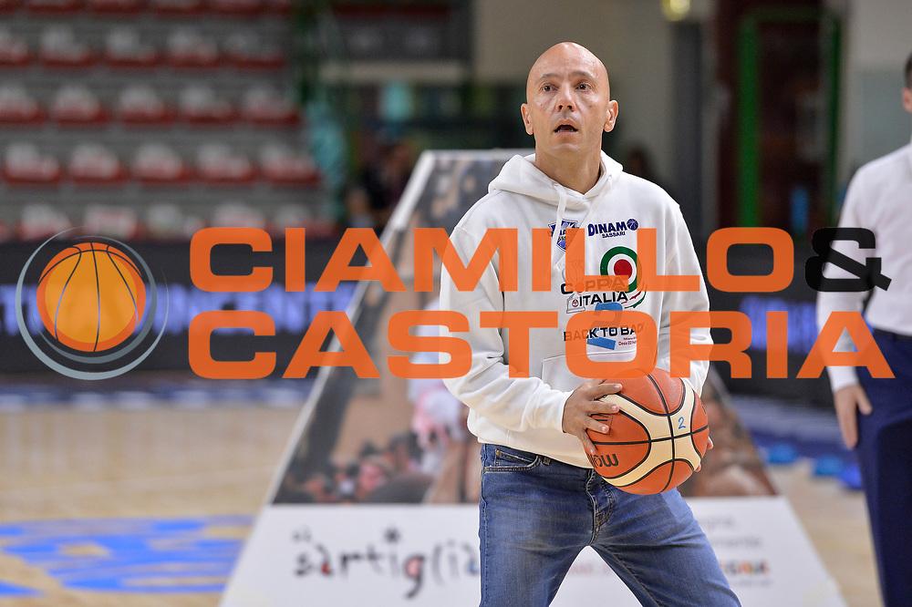 DESCRIZIONE : Beko Legabasket Serie A 2015- 2016 Dinamo Banco di Sardegna Sassari - Enel Brindisi<br /> GIOCATORE : Stefano Sardara<br /> CATEGORIA : Before Pregame Curiosit&agrave;<br /> SQUADRA : Dinamo Banco di Sardegna Sassari<br /> EVENTO : Beko Legabasket Serie A 2015-2016<br /> GARA : Dinamo Banco di Sardegna Sassari - Enel Brindisi<br /> DATA : 18/10/2015<br /> SPORT : Pallacanestro <br /> AUTORE : Agenzia Ciamillo-Castoria/L.Canu