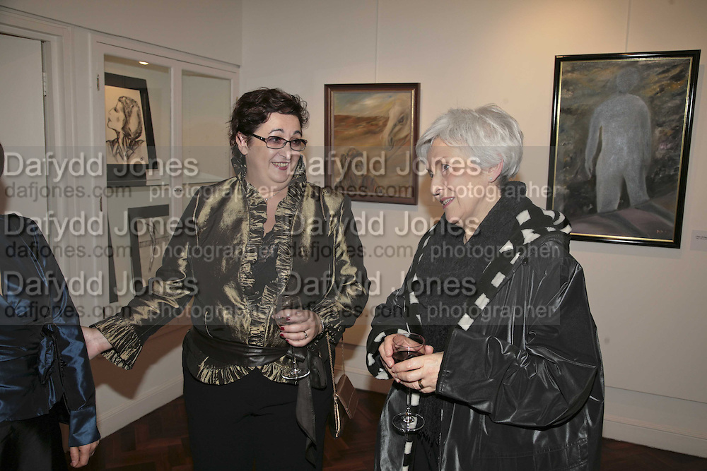 Inna  Rogatchi and Barbara Fisher, The Real Dream, private view for an exhibition of work by Michael Rogatchi. Cork St. London.  5 December 2006. ONE TIME USE ONLY - DO NOT ARCHIVE  © Copyright Photograph by Dafydd Jones 248 CLAPHAM PARK RD. LONDON SW90PZ.  Tel 020 7733 0108 www.dafjones.com