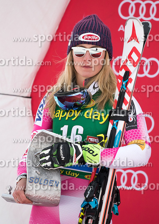 22.10.2016, Rettenbachferner, Soelden, AUT, FIS Weltcup Ski Alpin, Soelden, Siegerpräsentation, im Bild Mikaela Shiffrin (USA, 2. Platz) // 2nd placed Mikaela Shiffrin of the USA during the award ceremony for the ladies Giant Slalom of Soelden FIS Ski Alpine World Cup at the Rettenbachferner in Soelden, Austria on 2016/10/22. EXPA Pictures © 2016, PhotoCredit: EXPA/ Johann Groder