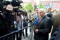 """29 APR 2008, BERLIN/GERMANY: <br /> Frank-Walter Steinmeier, SPD, Bundesaussenminister, beantwortet Fragen von Journalisten, vor Beginn der  Konferenz  """"Unternehmen in Verantwortung - Ein Gewinn für alle."""", Bundesministerium fuer ARbeit und Soziales und Auswaertiges Amt, bcc Berliner Congress Center IMAGE: 20080429-01-007<br /> KEYWORDS: Mikrofon, microphone, Kamera, Camera, Journalist, Journalisten"""