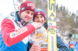 25.03.2018, Planica, Ratece, SLO, FIS Weltcup Ski Sprung, Planica, Skiflug, Einzelbewerb, Finale, im Bild Cheftrainer Stefan Horngacher (POL), Gesamtweltcupsieger Kamil Stoch (POL) mit der grossen Kristallkugel // Austrian Headcoach Stefan Horngacher of Poland Overall Worldcup Winner Kamil Stoch of Poland poses with the Crystal Globe during the Ski Flying Hill individual competition of the FIS Ski Jumping World Cup Final 2018 at Planica in Ratece, Slovenia on 2018/03/25. EXPA Pictures © 2018, PhotoCredit: EXPA/ JFK