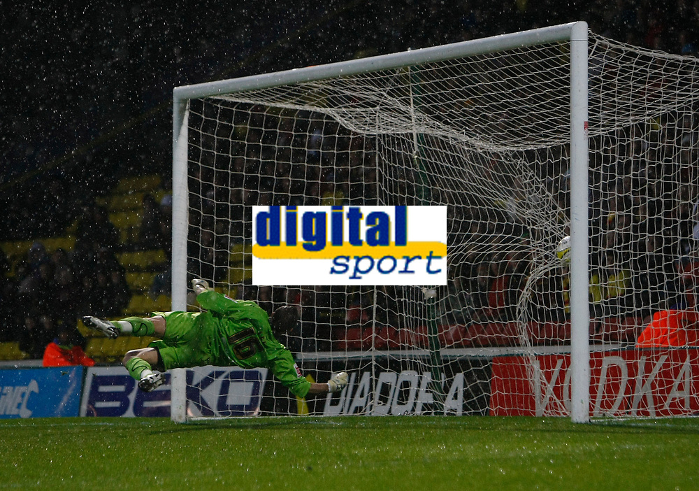 Photo: Richard Lane/Richard Lane Photography. Watford v Blackpool. Coca Cola Championship. 01/11/2008. Ben Burgess shot hits the back of the net beating keeper Richard Lee