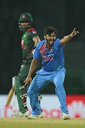 March 8, 2018 - Colombo, Sri Lanka - Indian cricketer Shardul Thakur appeals during the 2nd T20 cricket match of NIDAHAS Trophy between India  and Bangladesh at R Premadasa cricket ground, Colombo, Sri Lanka on Thursday 8 March 2018. (Credit Image: © Tharaka Basnayaka/NurPhoto via ZUMA Press)