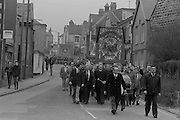 Black draped Ackton Hall banner on the David Jones funeral march. 23/03/1984.