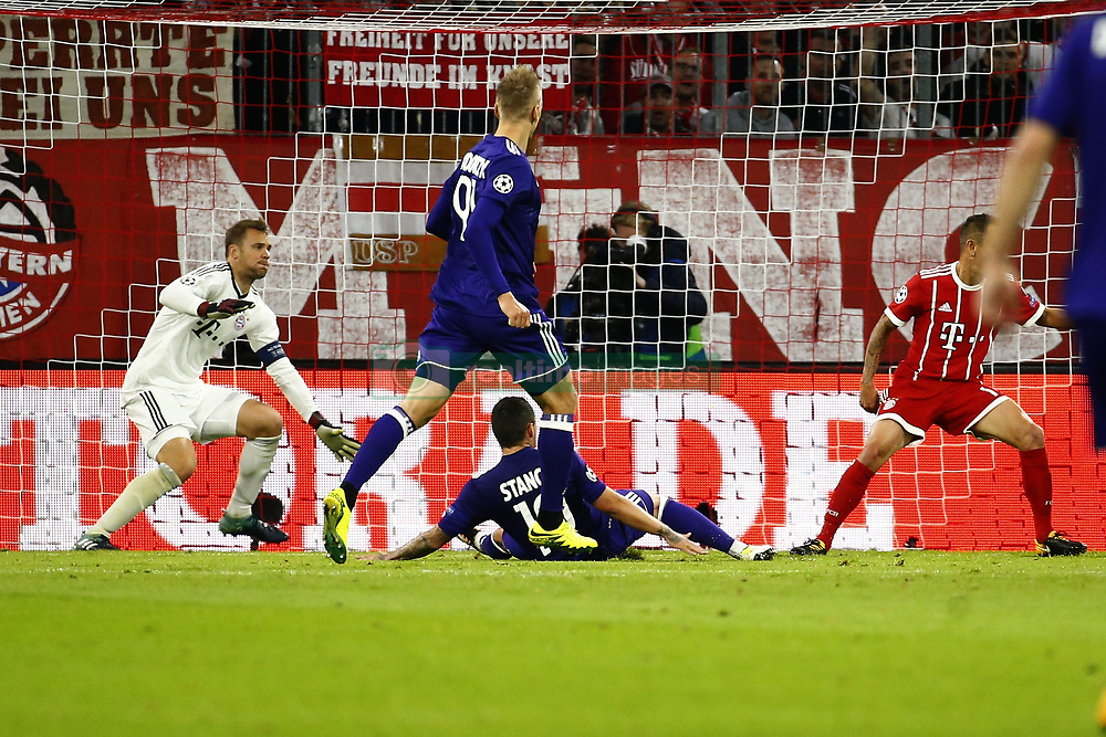 September 12, 2017 - France - MUNCHEN,GERMANY - SEPTEMBER 12 :   Manuel Neuer of Bayern Munchen and Nicolae Stanciu midfielder of RSC Anderlecht  during the match between Bayern Munchen and Rsc Anderlecht - UEFA  Champions League, on the Allianz Arena ,12/09/2017. (Credit Image: © Panoramic via ZUMA Press)