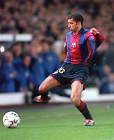 Simao Sabrosa - Barcelona. Leeds United v Barcelona. European Champions League, Group H, 24/10/00. Credit: Colorsport / Andrew Cowie.