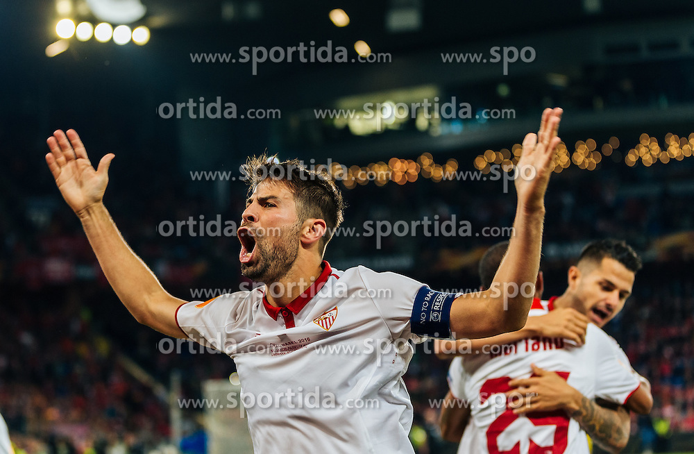 18.05.2016, St. Jakob Park, Basel, SUI, UEFA EL, FC Liverpool vs Sevilla FC, Finale, im Bild Torjubel Sevilla Coke (FC Sevilla) // Goal Celebration Sevilla Coke (FC Sevilla) during the Final Match of the UEFA Europaleague between FC Liverpool and Sevilla FC at the St. Jakob Park in Basel, Switzerland on 2016/05/18. EXPA Pictures © 2016, PhotoCredit: EXPA/ JFK