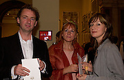 Gary Hume, Marjorie Althorpe-Guyton and Fiona Rae, Royal Academy summer exhibition annual dinner. Picadilly.  2 June 2004. ONE TIME USE ONLY - DO NOT ARCHIVE  © Copyright Photograph by Dafydd Jones 66 Stockwell Park Rd. London SW9 0DA Tel 020 7733 0108 www.dafjones.com
