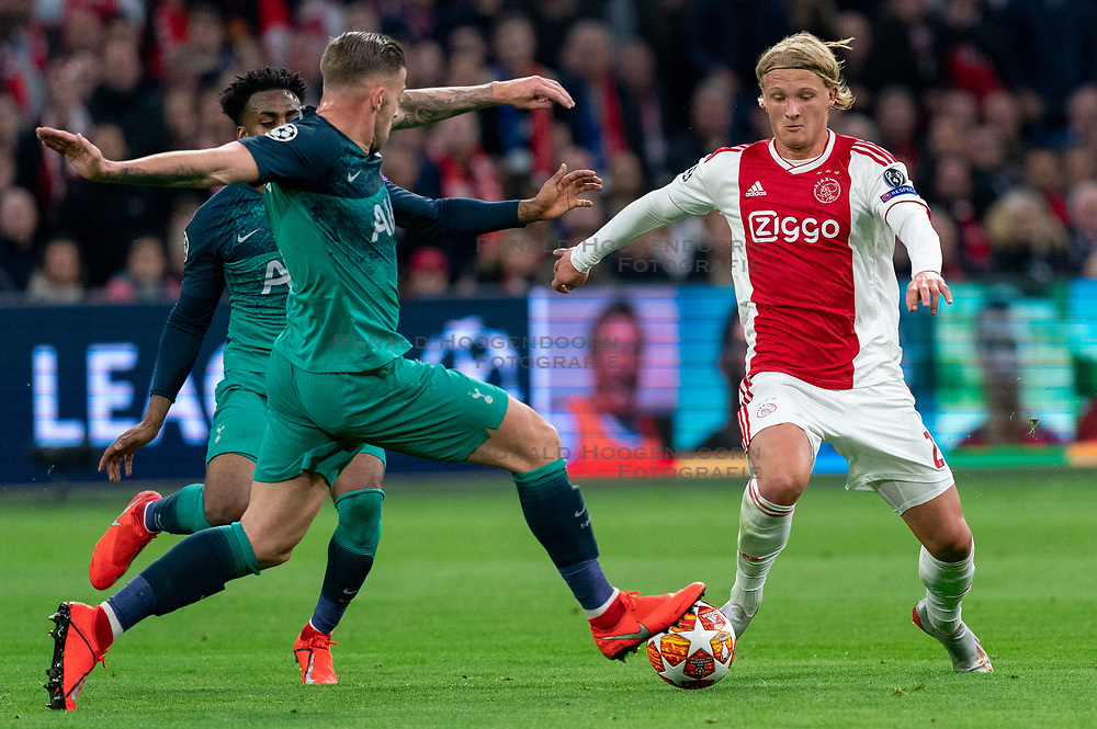 08-05-2019 NED: Semi Final Champions League AFC Ajax - Tottenham Hotspur, Amsterdam<br /> After a dramatic ending, Ajax has not been able to reach the final of the Champions League. In the final second Tottenham Hotspur scored 3-2 / Kasper Dolberg #25 of Ajax, Toby Alderweireld #4 of Tottenham Hotspur
