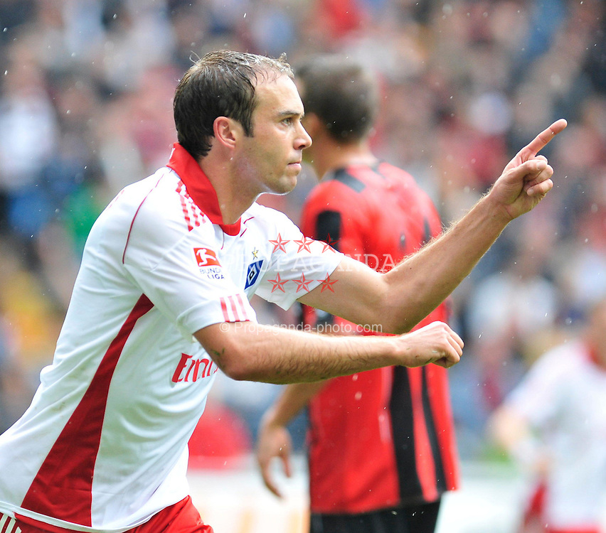 28.08.2010, Commerzbank-Arena, Frankfurt, GER, 1. FBL, Eintracht Frankfurt vs Hamburger SV, im Bild Joris Mathijsen (Hamburg #5), Torschuetze,  zum Ausgleich, EXPA Pictures © 2010, PhotoCredit: EXPA/ nph/  Roth+++++ ATTENTION - OUT OF GER +++++
