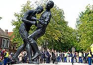 DEN HAAG - Koning Willem Alexander opent dinsdagmiddag 17 juni op het Lange Voorhout in Den Haag de zomertentoonstelling Grandeur – Franse beeldhouwkunst van Laurens tot heden. COPYRIGHT ROBIN UTRECHT