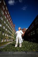 Overl&aelig;ge, dr.med.Grethe Andersen<br /> greander@rm.dk<br /> 89 49 32 94 med koden 3294.Neurologisk kontorgang, bygning 10 (h&oslash;jhuset), 3. sal, &Aring;rhus Sygehus, N&oslash;rrebrogade 44, 8000 &Aring;rhus C.<br /> Grethe er &aring;rets vinder af Dagens Medicins initiativpris Den Gyldne Skalpel. Ekspert i apopleksi (blodpropper i hjernen) og fortaler for trombolyse (behandling af apopleksi).