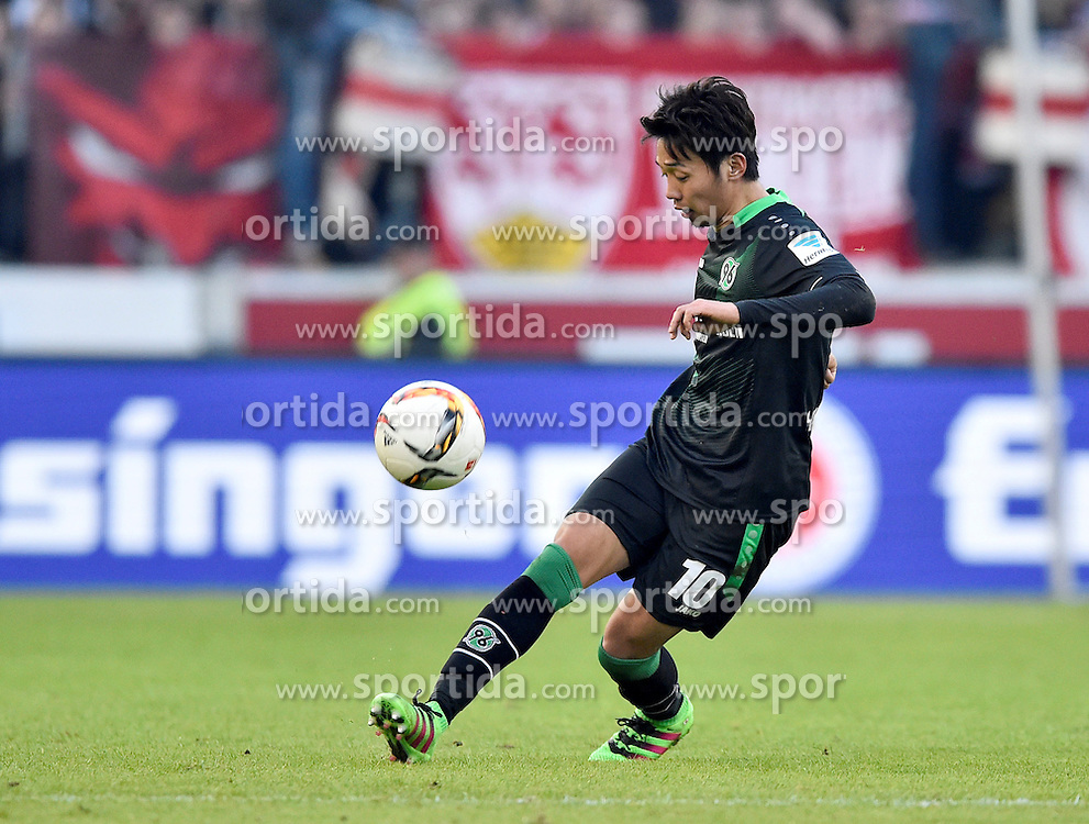 27.02.2016, Mercedes Benz Arena, Stuttgart, GER, 1. FBL, VfB Stuttgart vs Hannover 96, 23. Runde, im Bild Hiroshi Kiyotake Hannover 96 am Ball // during the German Bundesliga 23th round match between VfB Stuttgart and Hannover 96 at the Mercedes Benz Arena in Stuttgart, Germany on 2016/02/27. EXPA Pictures &copy; 2016, PhotoCredit: EXPA/ Eibner-Pressefoto/ Weber<br /> <br /> *****ATTENTION - OUT of GER*****