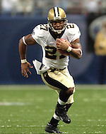 Saints running back Aaron Stecker (27) during game action against St. Louis at the Edward Jones Dome in St. Louis, Missouri, October 23, 2005.  The Rams beat the Saints 28-17.