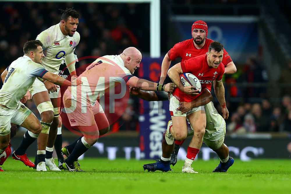 Gareth Davies of Wales runs with the ball - Mandatory by-line: Robbie Stephenson/JMP - 10/02/2018 - RUGBY - Twickenham Stoop - London, England - England v Wales - Women's Six Nations