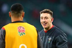 Josh Adams of Wales talks with Ben Te'o of England - Mandatory by-line: Robbie Stephenson/JMP - 10/02/2018 - RUGBY - Twickenham Stoop - London, England - England v Wales - Women's Six Nations