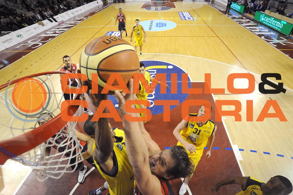 DESCRIZIONE : Ancona Lega A 2012-13 Sutor Montegranaro Angelico Biella<br /> GIOCATORE : Goran Jurak<br /> CATEGORIA : special tiro schiacciata stoppata<br /> SQUADRA : Angelico Biella<br /> EVENTO : Campionato Lega A 2012-2013 <br /> GARA : Sutor Montegranaro Angelico Biella<br /> DATA : 02/12/2012<br /> SPORT : Pallacanestro <br /> AUTORE : Agenzia Ciamillo-Castoria/C.De Massis<br /> Galleria : Lega Basket A 2012-2013  <br /> Fotonotizia : Ancona Lega A 2012-13 Sutor Montegranaro Angelico Biella<br /> Predefinita :