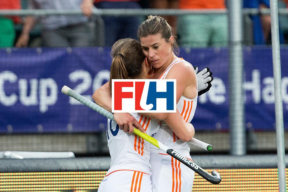 THE HAGUE - Rabobank Hockey World Cup 2014 - 07-06-2014 - WOMEN - AUSTRALIA - THE NETHERLANDS 0-2 - Kelly JONKER en Kim LAMMERS.<br /> Copyright: Willem Vernes