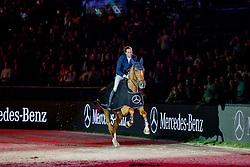FUCHS Martin (SUI), Tam Tam du Valon<br /> Stuttgart - German Masters 2019<br /> Siegerehrung<br /> MERCEDES GERMAN MASTER<br /> Int. Springprüfung mit Stechen<br /> CSI5*-W<br /> 15. November 2019<br /> © www.sportfotos-lafrentz.de/Stefan Lafrentz