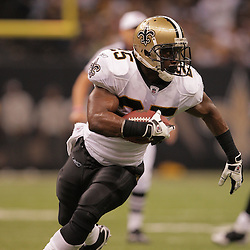 2008 October, 06:New Orleans Saints running back Reggie Bush (25) in action during a week five regular season game between the Minnesota Vikings and the New Orleans Saints for Monday Night Football at the Louisiana Superdome in New Orleans, LA.