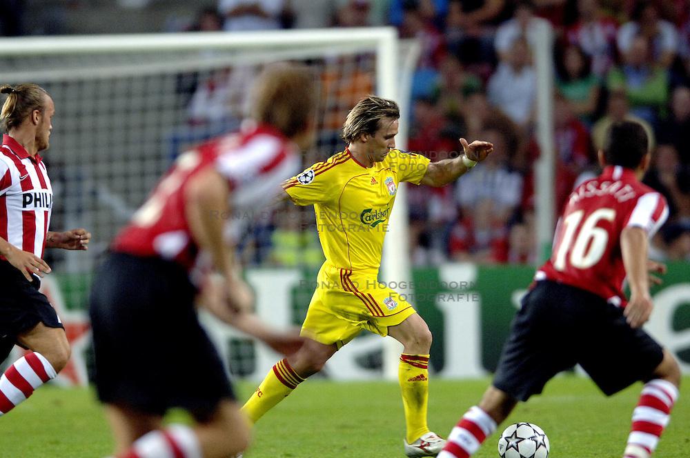 12-09-2006 VOETBAL: CHAMPIONS LEAGUE: PSV - LIVERPOOL: EINDHOVEN<br /> PSV en Liverpool eindigt zoals ze begonnen zijn 0-0 / Boudewijn Zenden<br /> &copy;2006-WWW.FOTOHOOGENDOORN.NL