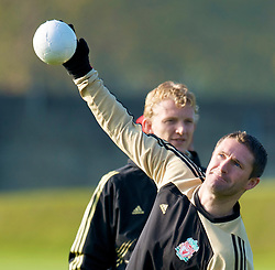 LIVERPOOL, ENGLAND - Monday, November 3, 2008: Liverpool's Robbie Keane during training at Melwood ahead of the UEFA Champions League Group D match against Club Atletico de Madrid. (Photo by David Rawcliffe/Propaganda)