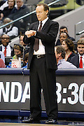 San Antonio Spurs interim head coach Mike Budenholzer signals to his players in the Spurs' 113-107 win over the Dallas Mavericks at American Airlines Center in Dallas, Texas, on January 25, 2013.  (Stan Olszewski/The Dallas Morning News)