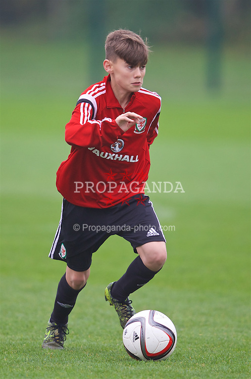 NEWPORT, WALES - Monday, November 2, 2015: Wales' Elliot Thorpe during a training session ahead of the Under-16's Victory Shield International match at Dragon Park. (Pic by David Rawcliffe/Propaganda)