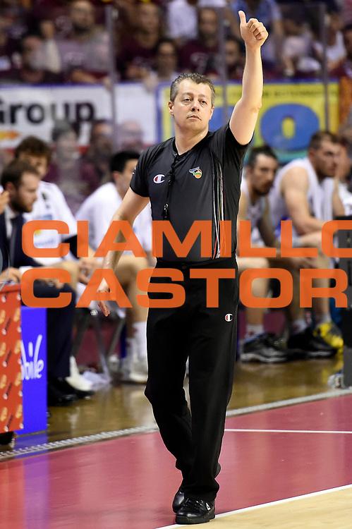 Alessandro Martolini arbitro<br /> Umana Reyer Venezia - Dolomiti Energia Aquila Basket Trento<br /> Lega Basket Serie A 2016/2017<br /> Playoff, finale gara 2<br /> Venezia, 12/06/2017<br /> Foto M.Ceretti / Ciamillo-Castoria