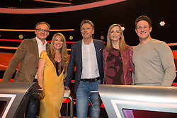 19.02.2016, Huerth, GER, Settermin, Paarduell, im Bild vl: Frank Plasberg, Bestseller-Autorin Anne Gesthuysen, Moderator Joerg Pilawa, Olympiasieger Matthias Steiner und seine Ehefrau Inge // during a photocall for the German TV-Show &quot;Paarduell&quot; in Huerth, Germany on 2016/02/19. EXPA Pictures &copy; 2016, PhotoCredit: EXPA/ Eibner-Pressefoto/ Sch&uuml;ler<br /> <br /> *****ATTENTION - OUT of GER*****