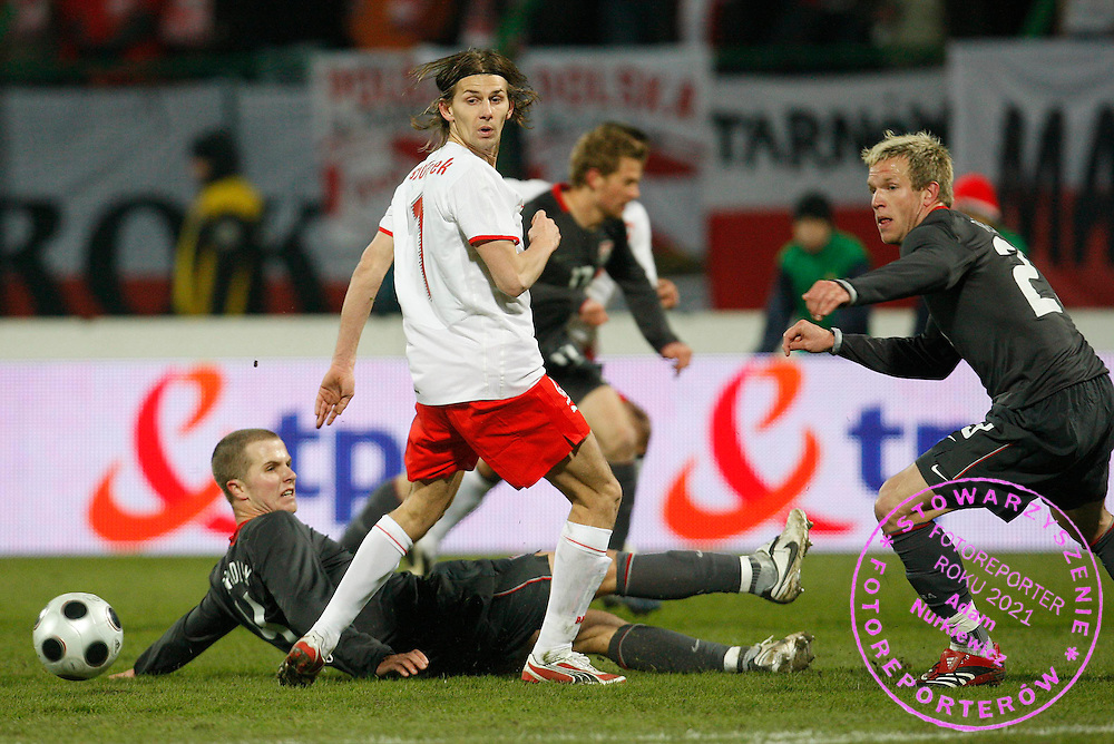 KRAKOW 26/03/2008.INTERNATIONAL FRIENDLY.POLAND v USA.EBI SMOLAREK OF POLAND,  MICHAEL BRADLEY OF USA , JAY DEMERIT /R/..FOT. PIOTR HAWALEJ / WROFOTO