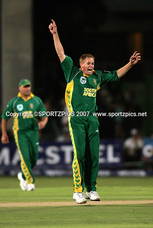 Shaun Pollock appeals for the wicket of Brendon McCullam during the 2nd ODI, South Africa v New Zealand, 30 November 2007 held at St Georges Park, Port Elizabeth, South Africa. <br />