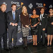 """NLD/Amsterdam/20131105 - Koninging Maxima bezoekt de Hazes musical """"Hij Gelooft in Mij"""", Konining Maxima met rachel hazes - van Galen, dochter Roxanne en zoon Dre Jr."""